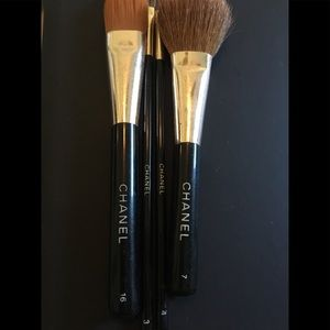 Set of 4 EUC AND cleaned CHANEL brushes